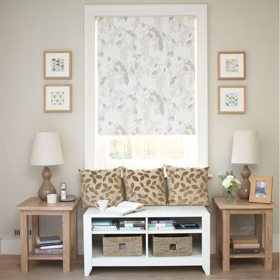 Small Living Room Decoration 6 Smart Ideas To Make It: Make The Most Of The Unused Space Under A Window