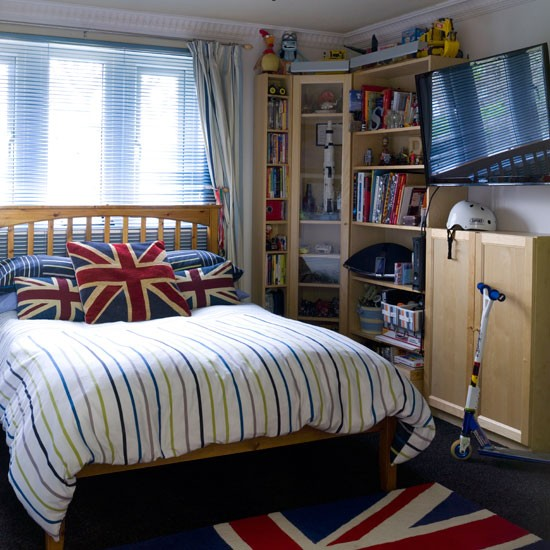 Boy Bedroom Ideas Decor: Teenage Boys' Bedroom With Union Jack Decor