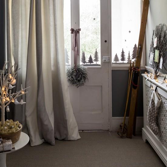 Ski Chalet Decorating Ideas: Christmas Hallway Ideas