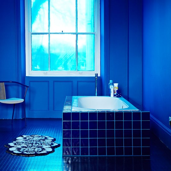Navy Blue Bathroom Wall Art: Decorating With Darker Colours