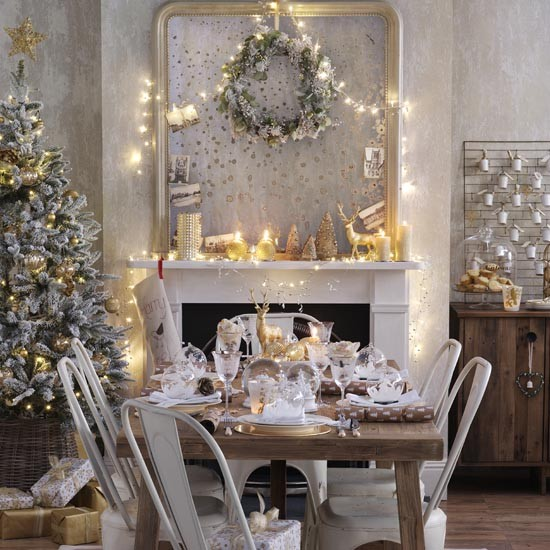 Old Gold Christmas Dining Room With Shimmering Candles