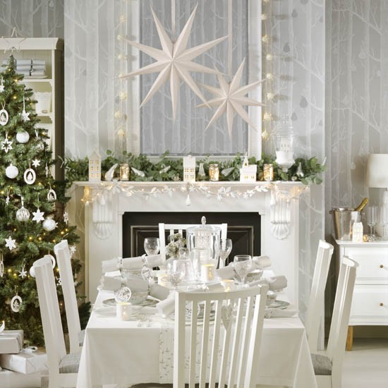 Winter Wonderland Christmas Dining Room With Paper Stars