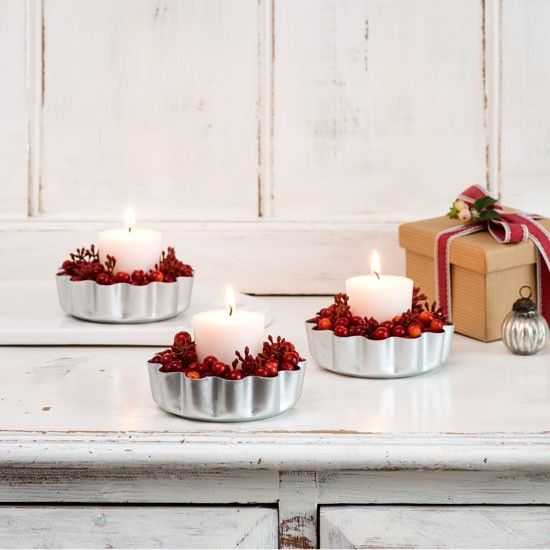Living Room Lighting Ideas On A Budget: Wood Panelled Christmas Living Room With Cranberry Tea