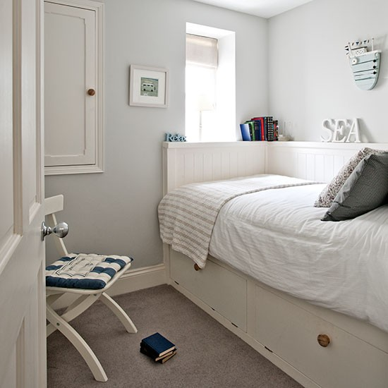 Guest Bedroom White And Gray: White Guest Bedroom With Nautical Theme