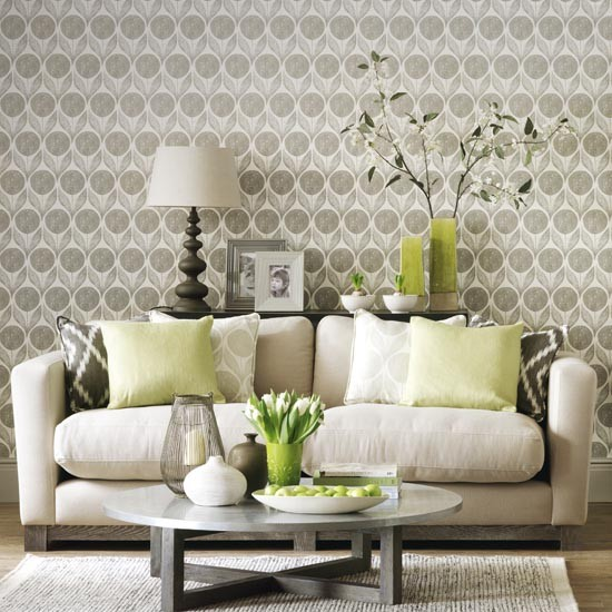 Statement wallpaper in a neutral living room simple - Best living room wallpaper designs ...