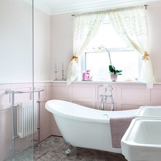 Shabby Chic Bathrooms: Shabby Chic Slipper Bath With Double Sink