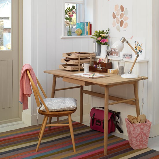 Stylish Home Accessories: White Home Office With Retro-style Desk