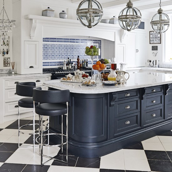 Great Room Kitchen With Large Island: Large-scale Central Island