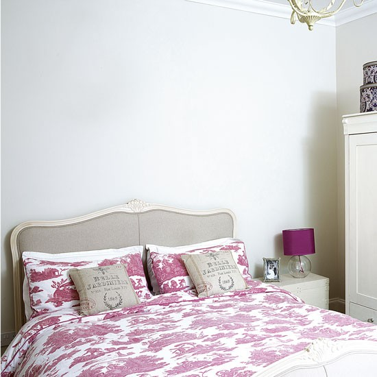 Bedroom Decorating Ideas Totally Toile: Neutral Bedroom With Pink Toile Bedding