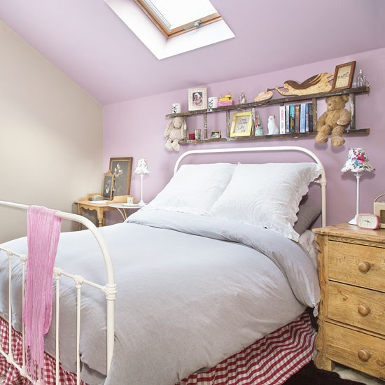Eaves bedroom with purple feature wall decorating - Purple feature wall living room ideas ...