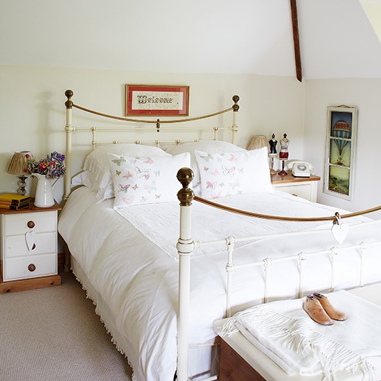 Guest Bedroom White And Gray: Cool White Country Guest Bedroom