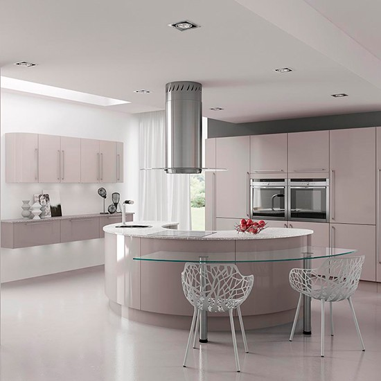 High Gloss Kitchens: Hi-gloss Kitchen With Curved Units