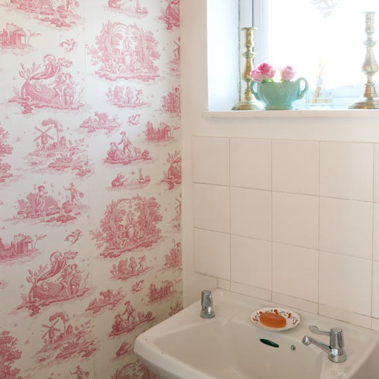 Pink And White Bathroom: White Bathroom With Pink Toile Wallpaper