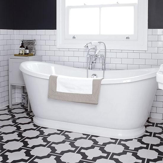 Modern Bathroom Vinyl Flooring: Monochrome Bathroom With Geometric Floor