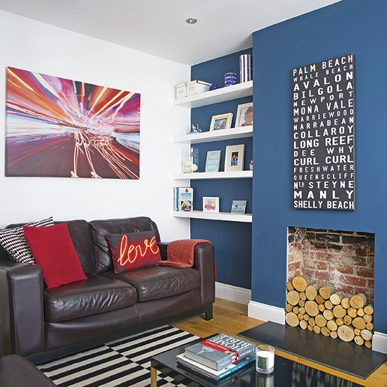 Dark Blue Wall: Living Room With Dark Blue Feature Wall