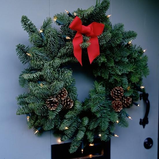 Add Sparkle To A Festive Wreath Outdoor Christmas