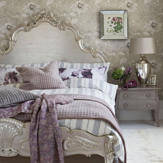 Gorgeous Gray And White Bedrooms: Grey Bedroom With Opulent Silver Headboard