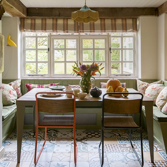 Housetohome Co Uk: Vintage Country Dining Area With Wooden Furniture