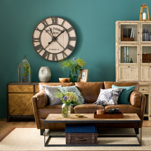 Getting It Right With A Cosy Living Room: Get Cosy By Decorating With Forest Green