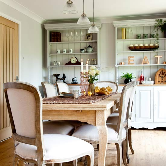 Country Style Dining Room: Country Style Dining Space With Painted Dressers