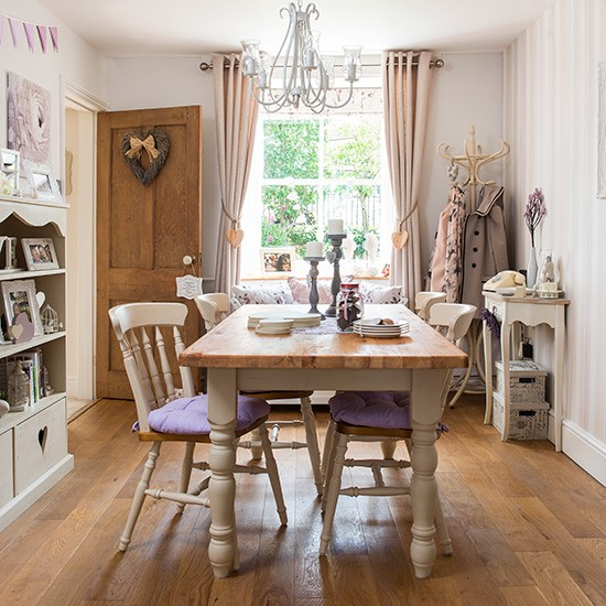 Country Dining Room: Country Dining Room With Wood Floor