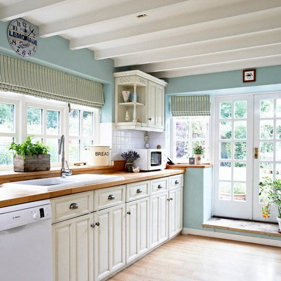 Cream Kitchen Ideas: Take A Look Inside This Charming Chocolate Box