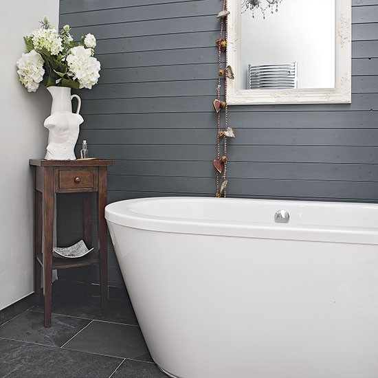 Bathroom Grey Walls: Feature Wall With Grey Wood Panelling