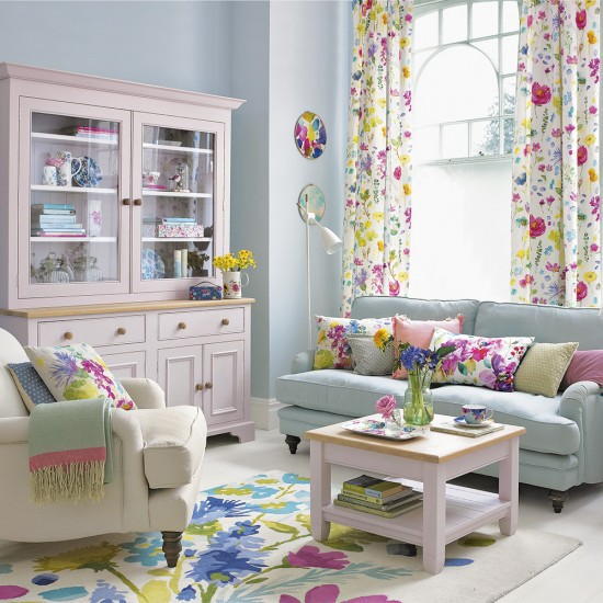Creative Living Rooms For Style Inspiration Palette: Living Room With A Spring-inspired Palette And Floral