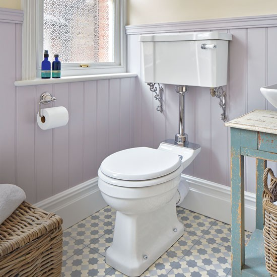 Period-style Bathroom With Lilac Painted Panelling And