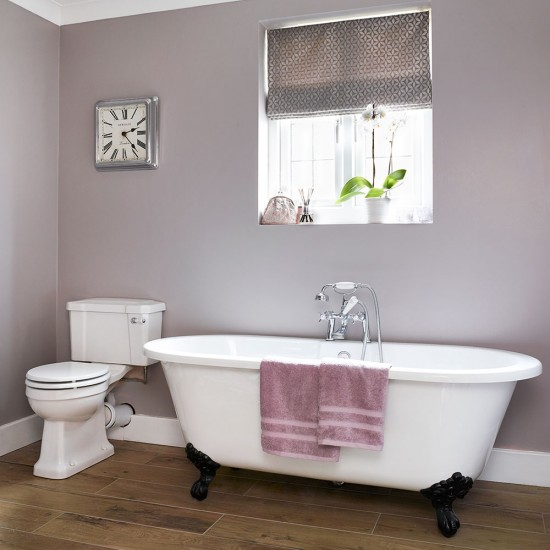 Grey Country Bathroom With Rolltop Bath: Bathroom With Classic Roll-top Bath And Deep Grey Walls